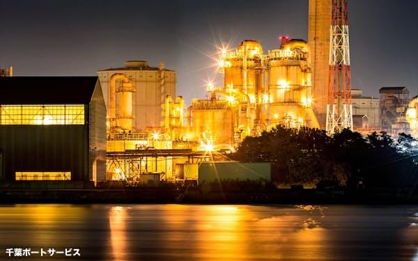 クルーズ船から見える工場夜景が人気