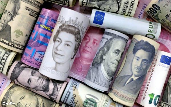 各国の紙幣=ロイター