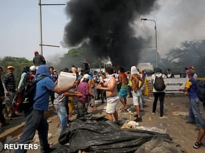 ベネズエラ、コロンビアとの断交を宣言