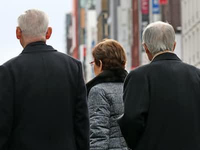 2040年の世帯、75歳以上が4分の1 単身500万人超