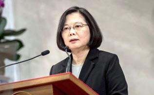 一国二制度による中台統一を拒否した蔡英文総統(1月2日、台北)=共同