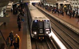 1日平均62万人が利用するワシントン地下鉄(4路線が交わるメトロセンター駅)