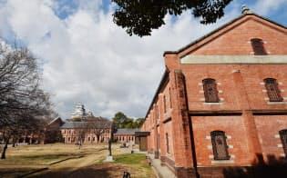 旧陸軍の倉庫を活用した姫路市立美術館(兵庫県姫路市)
