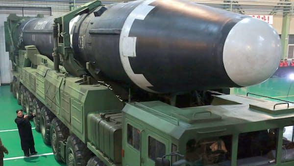 大陸間弾道ミサイル「火星15」朝鮮中央通信が2017年11月30日に配信した=朝鮮通信・共同