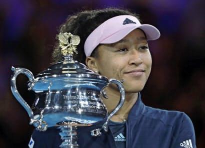 全米オープンに続く全豪制覇で大坂なおみは女子テニスの頂点に立った=AP