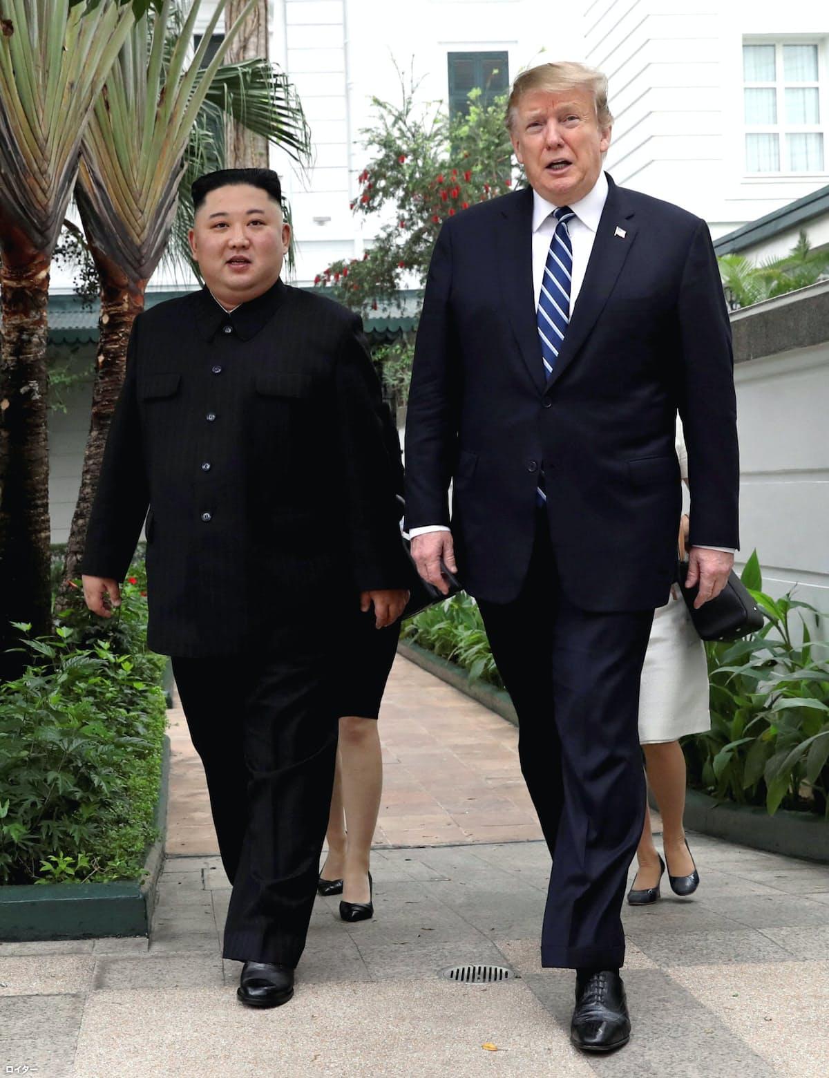 米朝首脳、1対1の協議から拡大会合へ
