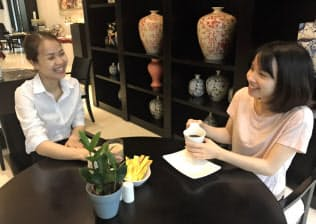 ベトナムではコーヒーを飲む人が増えている(ハノイ市内のカフェレストラン)