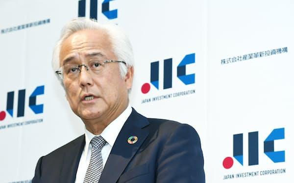 代表取締役会長に招いた、前産業革新投資機構(JIC)社長の田中正明氏