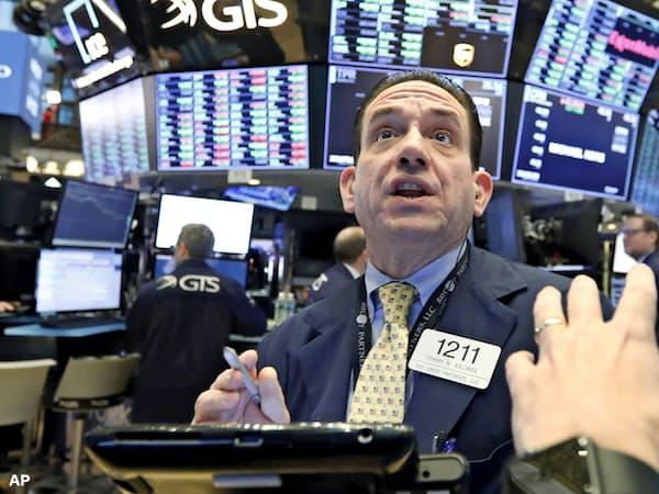 ダウ工業株30種平均は前日比110ドル高で終えた=AP