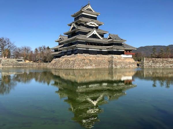 松本城は観覧料を20年1月から値上げする
