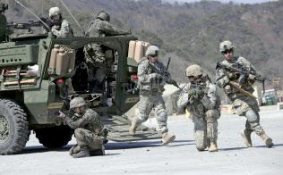 米韓は春の大規模合同軍事演習を打ち切る(写真はフォール・イーグルの様子)=AP