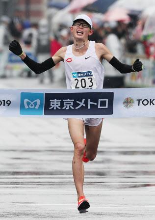 東京マラソン男子、日本人トップの5位でゴールする中央大の堀尾