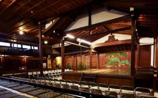 明治時代に創建された大江能楽堂(京都市中京区)