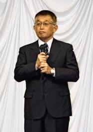 兵庫県明石市で開いた政治資金パーティーであいさつする泉房穂前市長(2月18日)=共同