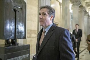 6日、コーエン被告は今年4回目の議会証言に応じた(ワシントン)=AP