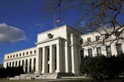FRBは過去の審査でリスク管理体制などの十分な改善を確認できた銀行に関しては、質的評価をもとに資本計画を却下する仕組みを廃止する=AP