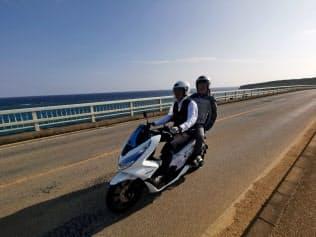 宮古島で始まった電動バイクのレンタルサービス。ホンダの「PCX ELECTRIC」を利用できる。ソフトバンクの回線を使ってデータをクラウドで収集する