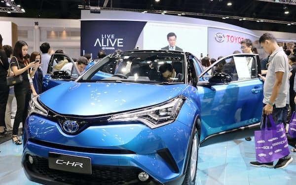 トヨタがタイで販売するSUVのハイブリッド車