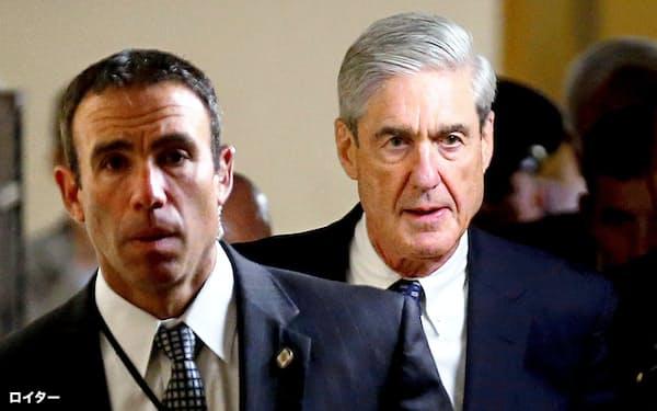 モラー特別検察官(元FBI長官、写真右)=ロイター