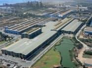 新日鉄とミタルはエッサール買収でインドで存在感を増す(印西部グジャラート州のエッサールの製鉄所)