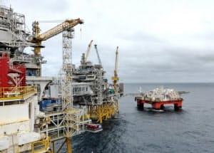 北欧石油最大手エクイノール(ノルウェー)の北海油田の設備=ロイター