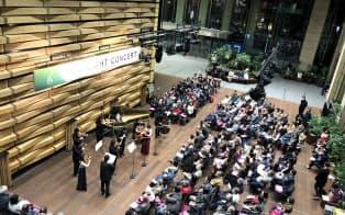東京・大手町の銀行のロビーでクラシックコンサートを開催している