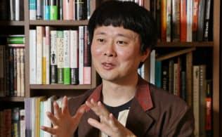 おおの・ひろゆき 1974年大阪府寝屋川市生まれ。京大大学院人間・環境学研究科後期博士課程所定単位取得。2015年、「チャップリンとヒトラー」でサントリー学芸賞受賞。脚本を手掛けた映画「葬式の名人」が元AKB48の前田敦子さん主演で今夏公開予定。