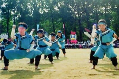 茨木高校時代、熱中した体育祭。左手前が大野氏