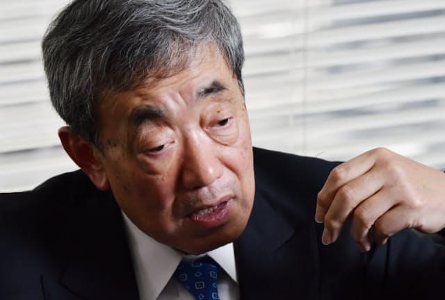 カルビーの会長兼最高経営責任者を務める間、社員に「10の考え方」をすり込んだ松本晃氏