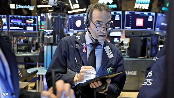 沈む金利、浮かぶハイテク株