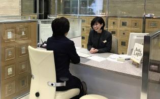 午前11時半から1時間の昼休みを導入する(高知市内の店舗)