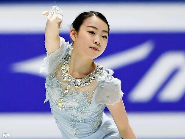 女子SPを前に公式練習で調整する紀平梨花(20日、さいたまスーパーアリーナ)=共同