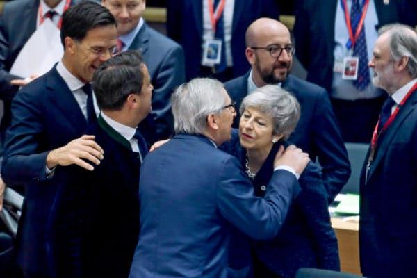 離脱を巡り、EU首脳会議は英国に早期決断を迫った(21日、ブリュッセル)=ロイター