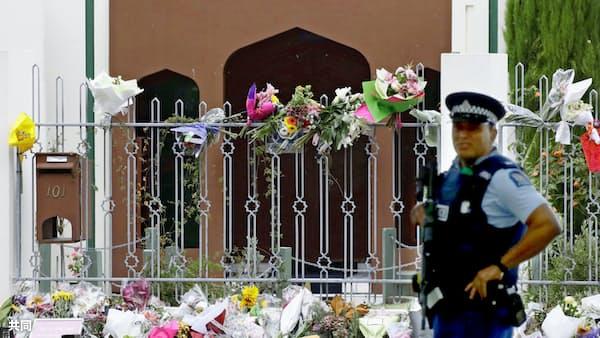 NZ全土で犠牲者追悼 23日にモスク再開へ
