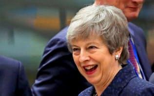 ブリュッセルで開かれたEU首脳会議に出席した英国のメイ首相=ロイター
