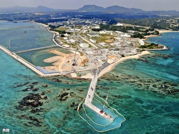 米軍普天間飛行場の移設先として、埋め立てが進む沖縄県名護市辺野古の沿岸部=共同