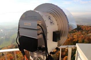 ドイツでの予備実験で高周波数の電波を利用する(ドイツのシュツットガルト大学提供)