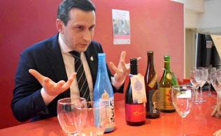 「エレガントな質の日本酒はガストロノミーに通じる」と語るグザビエ氏