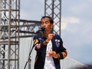 23日、インドネシアのジョクジャカルタの大規模集会で演説するジョコ大統領