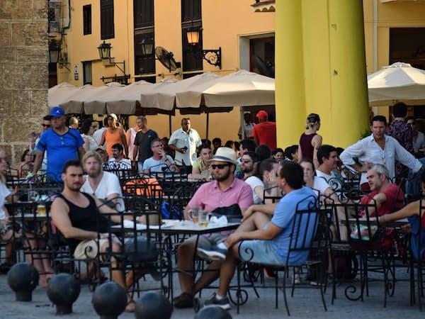 キューバでは自営のレストランや民泊施設などが増える(ハバナ、2月下旬)