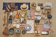 生活雑貨や工芸品など150種類の商品をそろえた(ギフトカタログの掲載商品の一部)