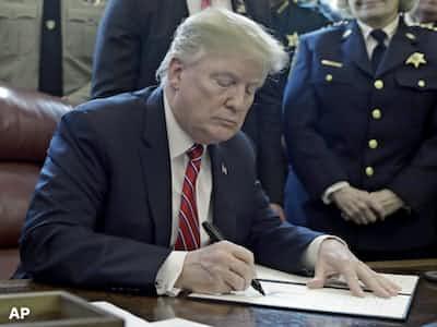 米下院、大統領の拒否権覆せず 「壁」非常事態が継続
