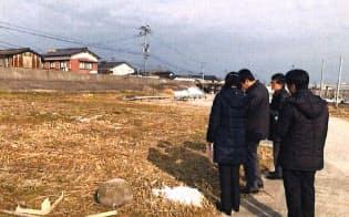 所有者不明土地は公共工事や再開発を滞らせている(佐賀県内の築堤工事予定現場)