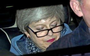 メイ首相は早期辞任に応じる姿勢を示したが…=ロイター