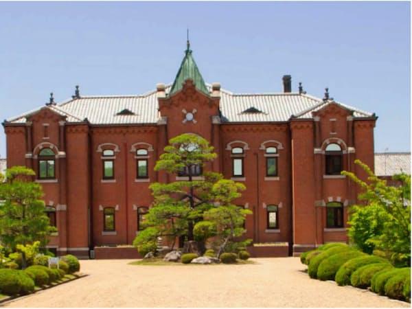 優れた近代建築の1つとして、国の重要文化財として指定されている(旧奈良監獄の庁舎正面)