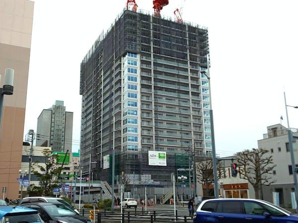 1億円を超える物件も人気が高かった(JR津田沼駅近くで建設中の津田沼ザ・タワー)