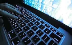 「ダークウェブ」と呼ばれる違法サイトが犯罪者の間で広まっている