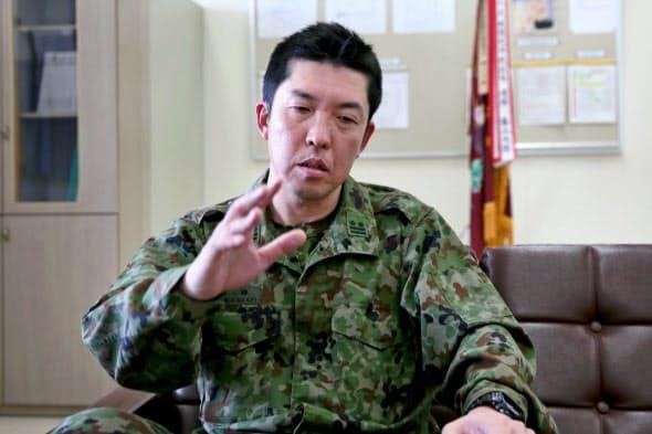 豚の殺処分について振り返る嶋崎大隊長(愛知県豊川市の豊川駐屯地)