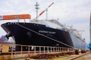 東ガスは新しい運搬船をLNG販売で活用する(18年10月、津市での命名式)