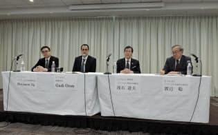 CISACのガディ・オロン事務局長(左から2人目)が会見し、EUの新ルールの意義を強調した(2日、東京・港)